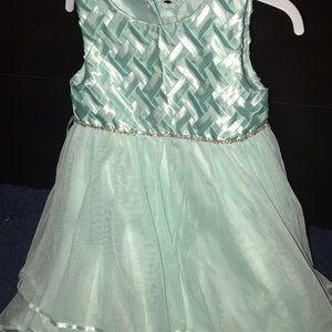 Other - Light Green dress 👗